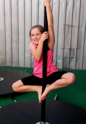 Kids_Pole_Dance_2